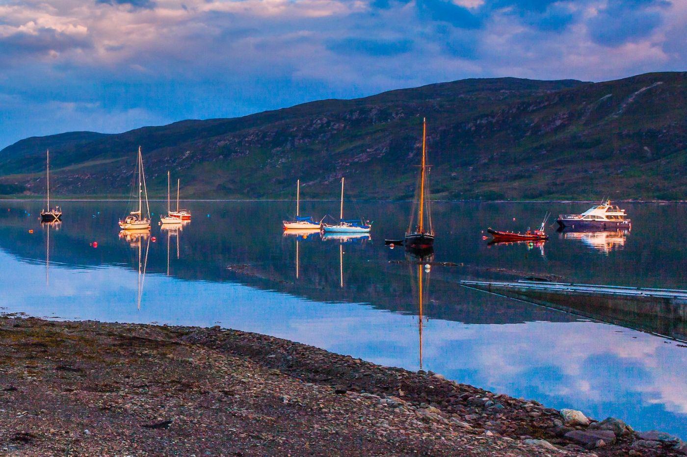 苏格兰阿勒浦(Ullapool),如镜的湖面_图1-16