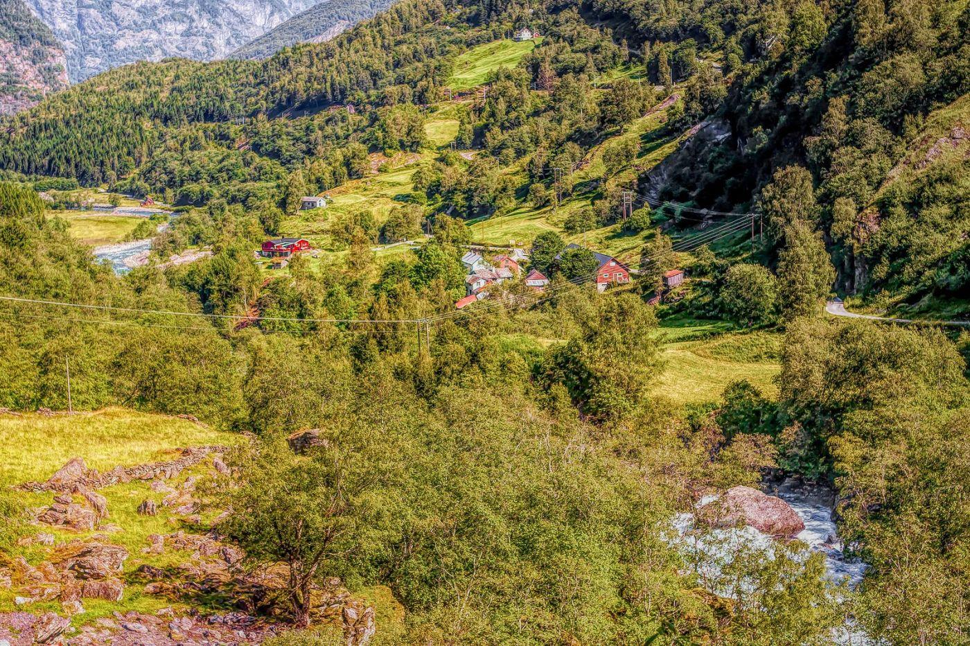 挪威弗拉姆铁路(Flam Railway),沿路的山水_图1-3