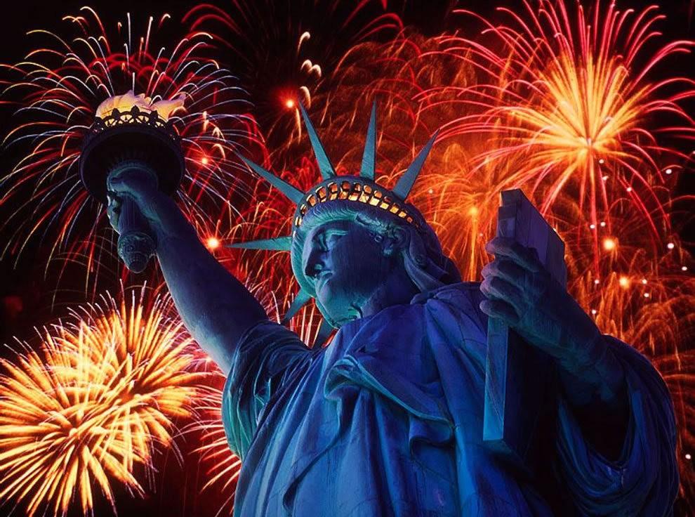 美国独立纪念日----烟花会演_图1-1