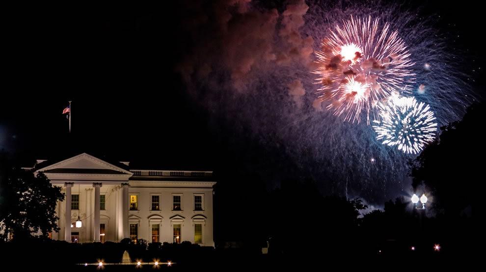 美国独立纪念日----烟花会演_图1-11