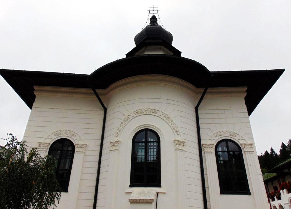 阿加皮亚修道院_图1-5