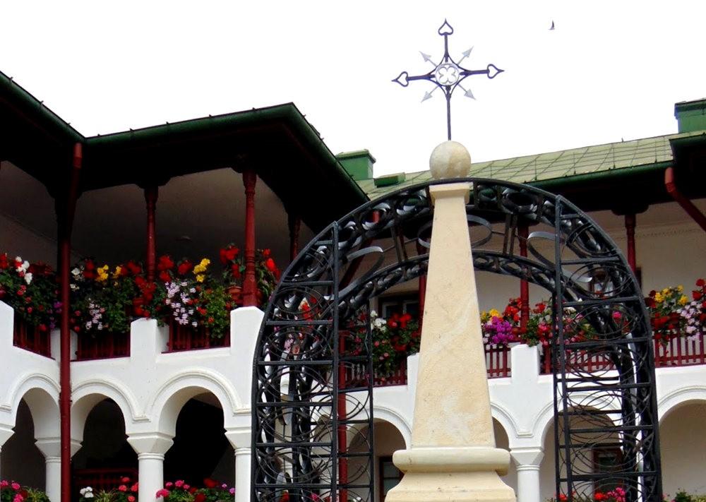 阿加皮亚修道院_图1-12