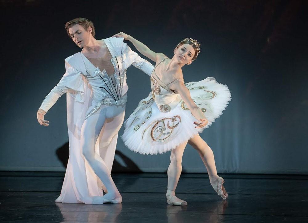 美丽的芭蕾舞_图1-4
