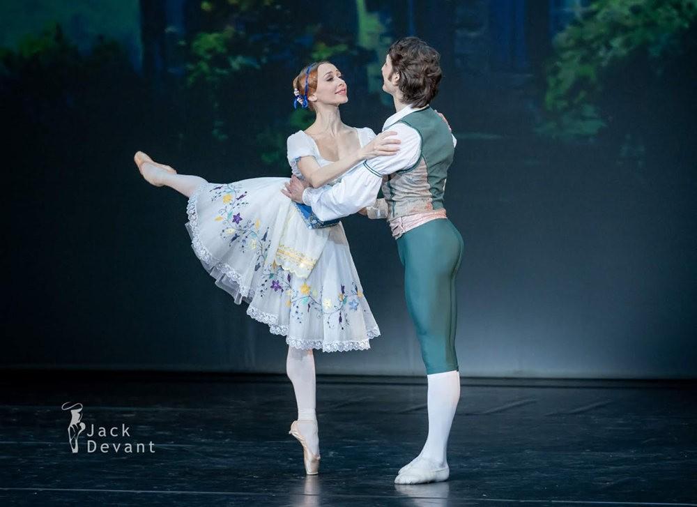 美丽的芭蕾舞_图1-7