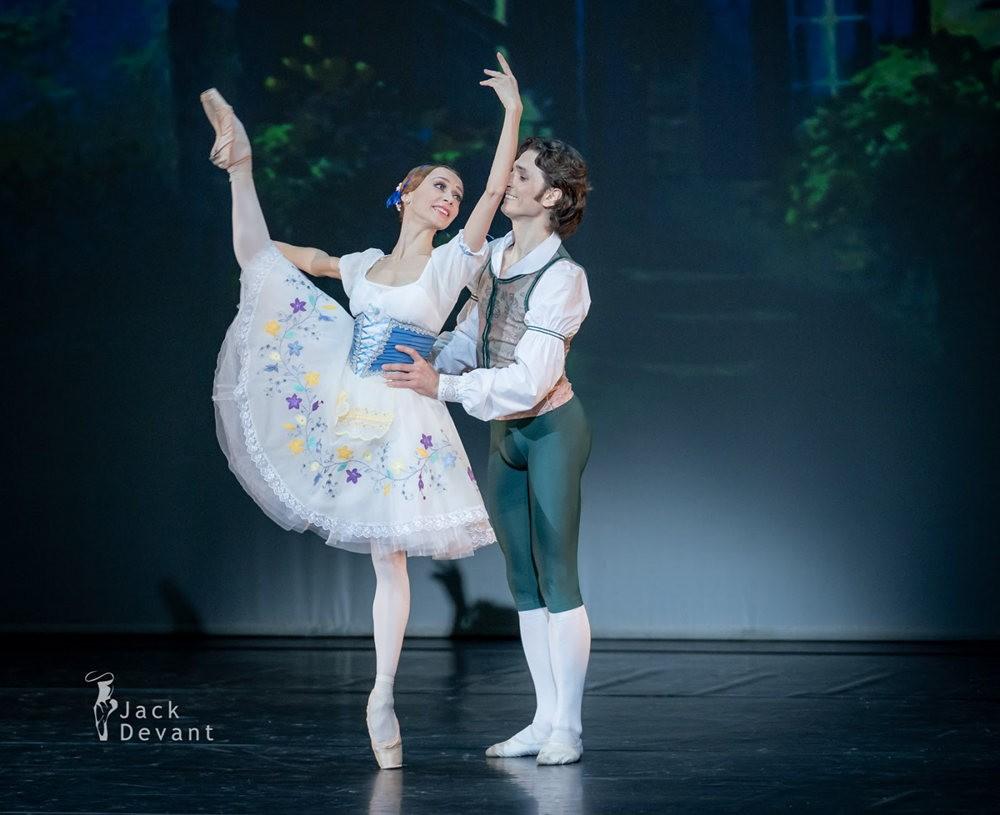 美丽的芭蕾舞_图1-9