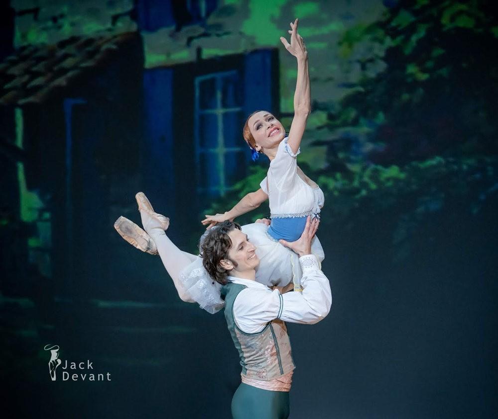 美丽的芭蕾舞_图1-11