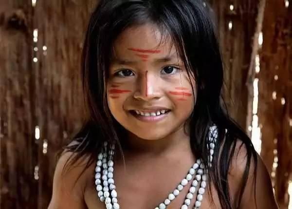 世界上唯一的纯女性部落在巴西,全族没有一个男人,繁衍后代怎么办 ..._图1-2