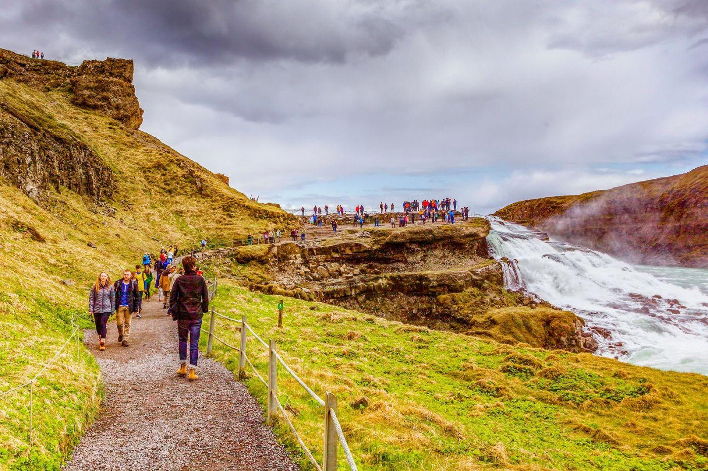 冰岛古佛斯瀑布(Gullfoss),气势磅礴_图1-2
