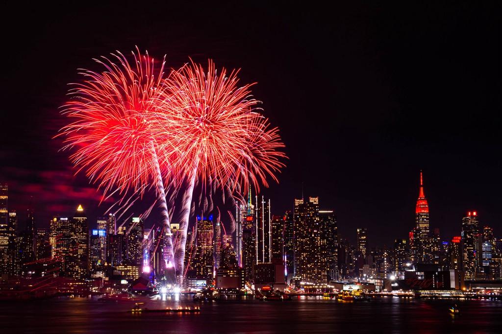 纽约烟花秀喜迎2020中国年_图1-4