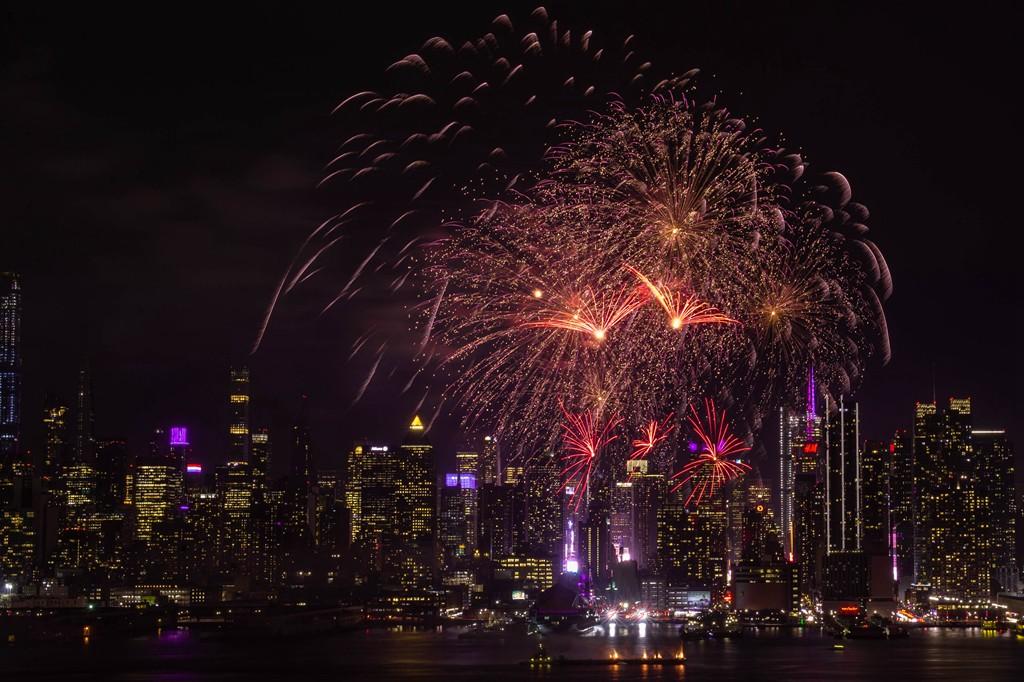纽约烟花秀喜迎2020中国年_图1-10