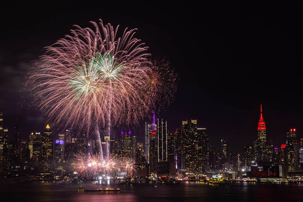 纽约烟花秀喜迎2020中国年_图1-1