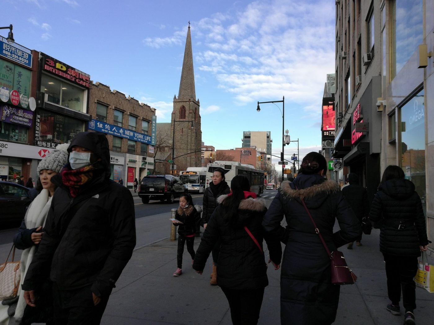 预防新型肺炎,纽约法拉盛街头戴口罩的人不断增加_图1-5