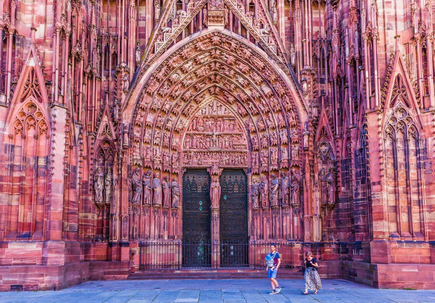 法国斯特拉斯堡(Strasbourg),八百年的主教堂_图1-1