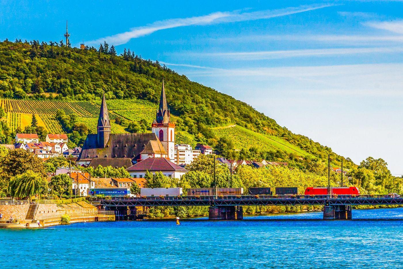 畅游莱茵河,河中的城堡_图1-39