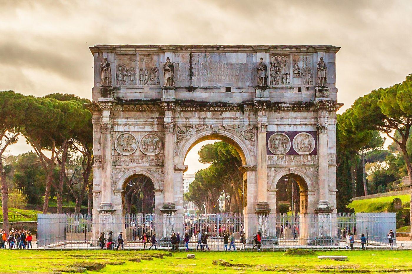 罗马君士坦丁凯旋门,两千年的建筑_图1-11