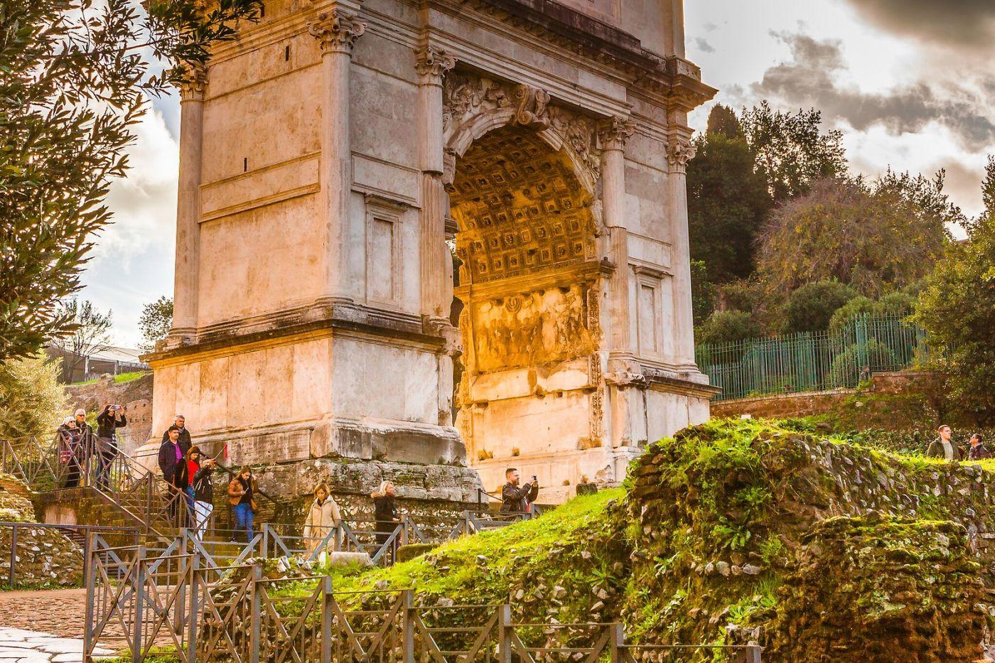 罗马君士坦丁凯旋门,两千年的建筑_图1-5