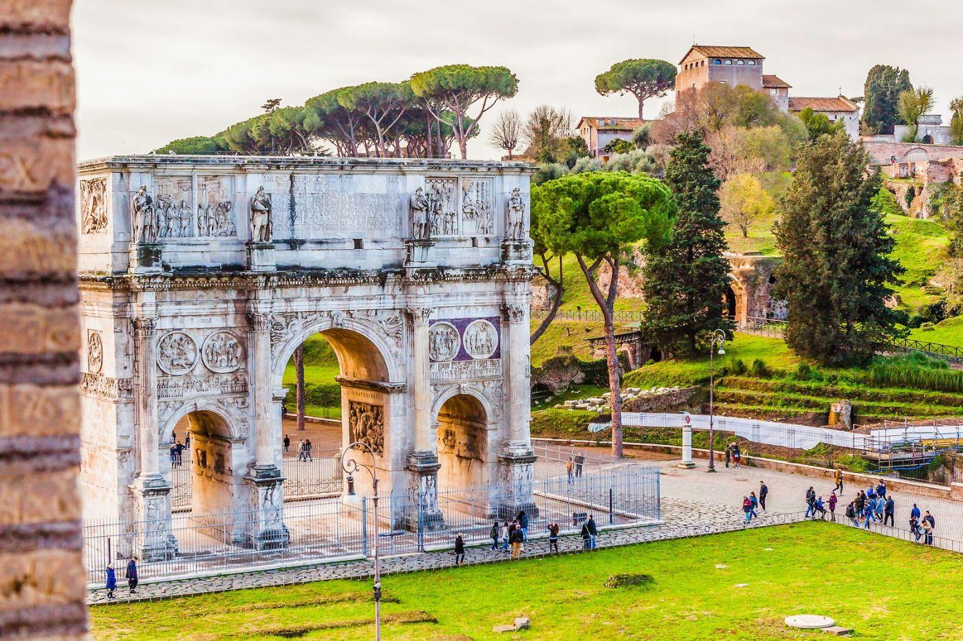 罗马君士坦丁凯旋门,两千年的建筑_图1-2