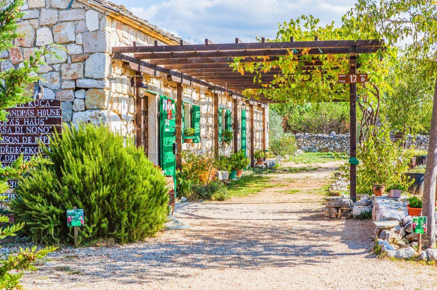克罗地亚达尔马提亚村,独特的地域风貌_图1-9