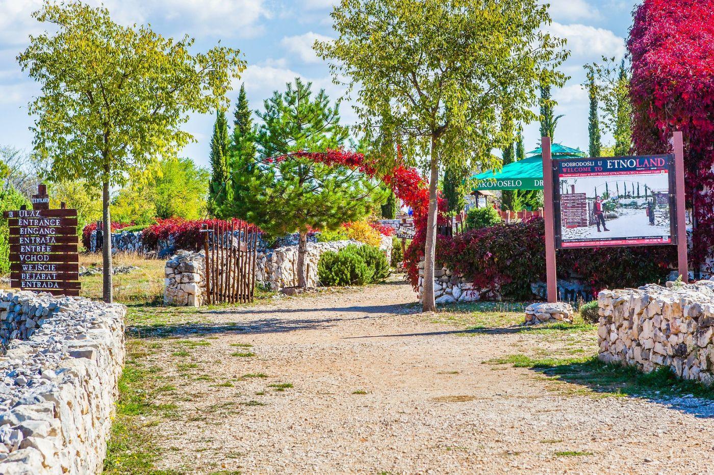 克罗地亚达尔马提亚村,独特的地域风貌_图1-8
