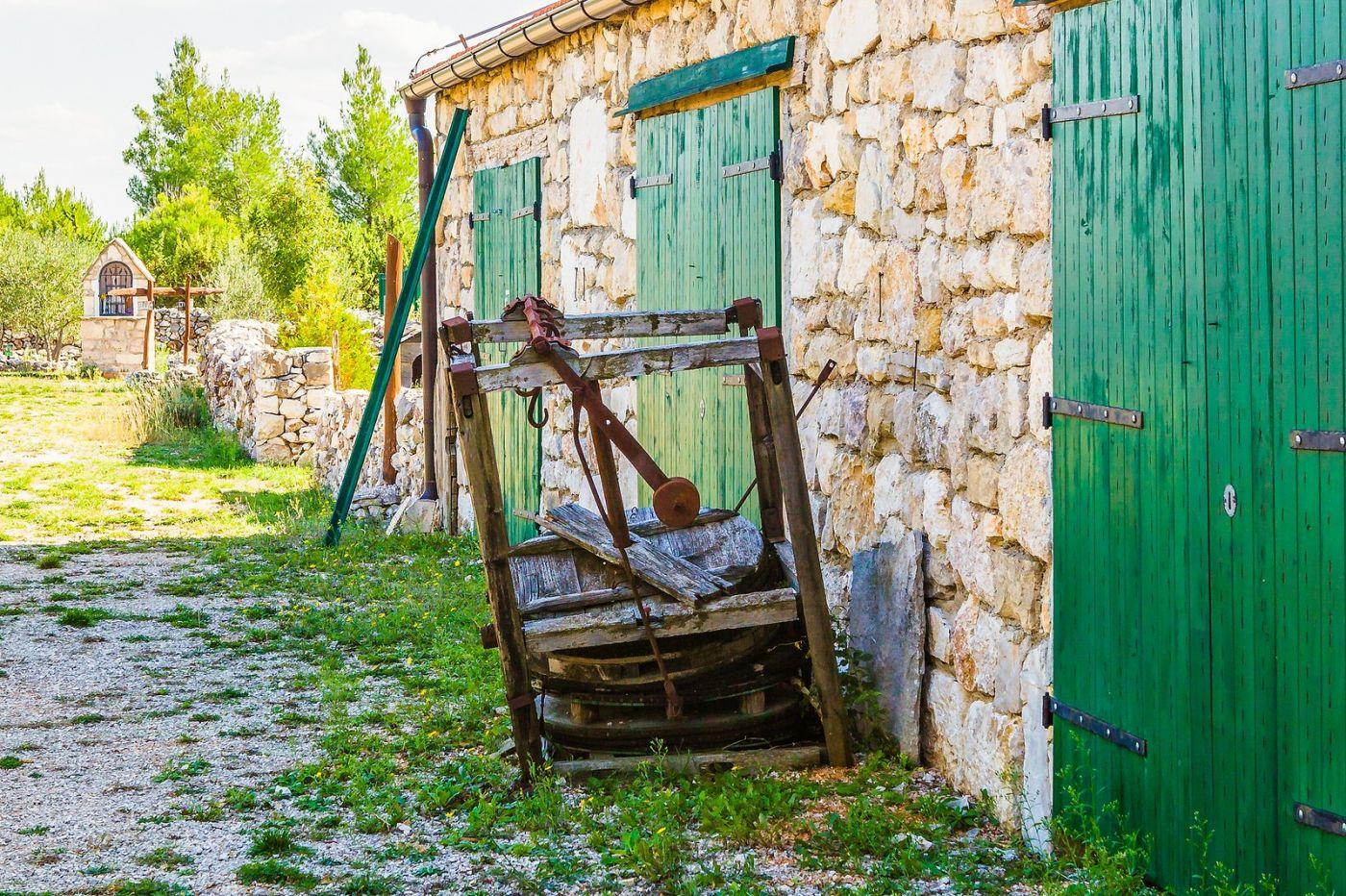克罗地亚达尔马提亚村,独特的地域风貌_图1-2
