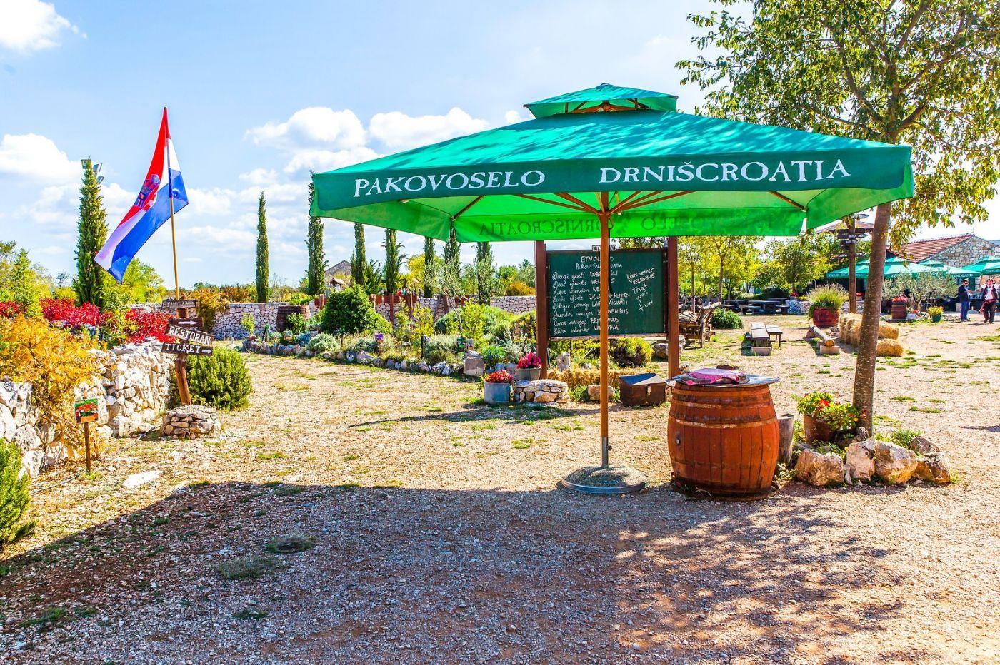 克罗地亚达尔马提亚村,独特的地域风貌_图1-35