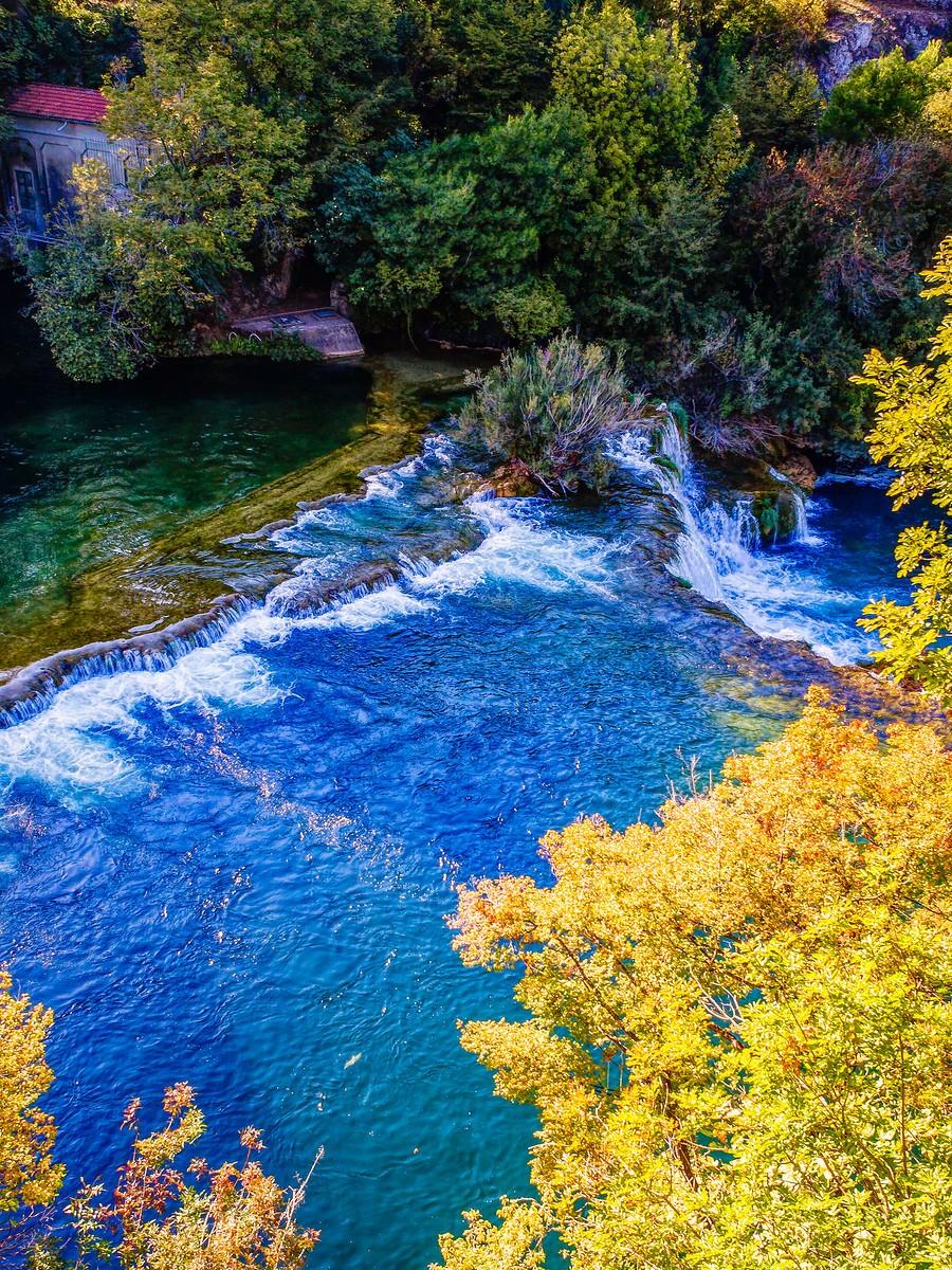 克罗地亚克尔卡国家公园(Krka National Park),走在瀑布傍_图1-34