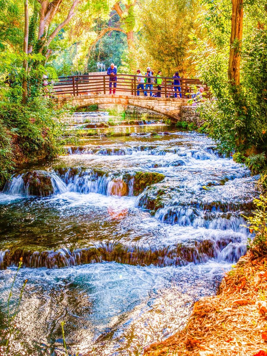 克罗地亚克尔卡国家公园(Krka National Park),走在瀑布傍_图1-37
