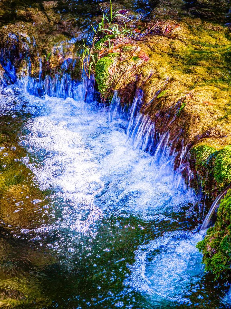克罗地亚克尔卡国家公园(Krka National Park),走在瀑布傍_图1-39