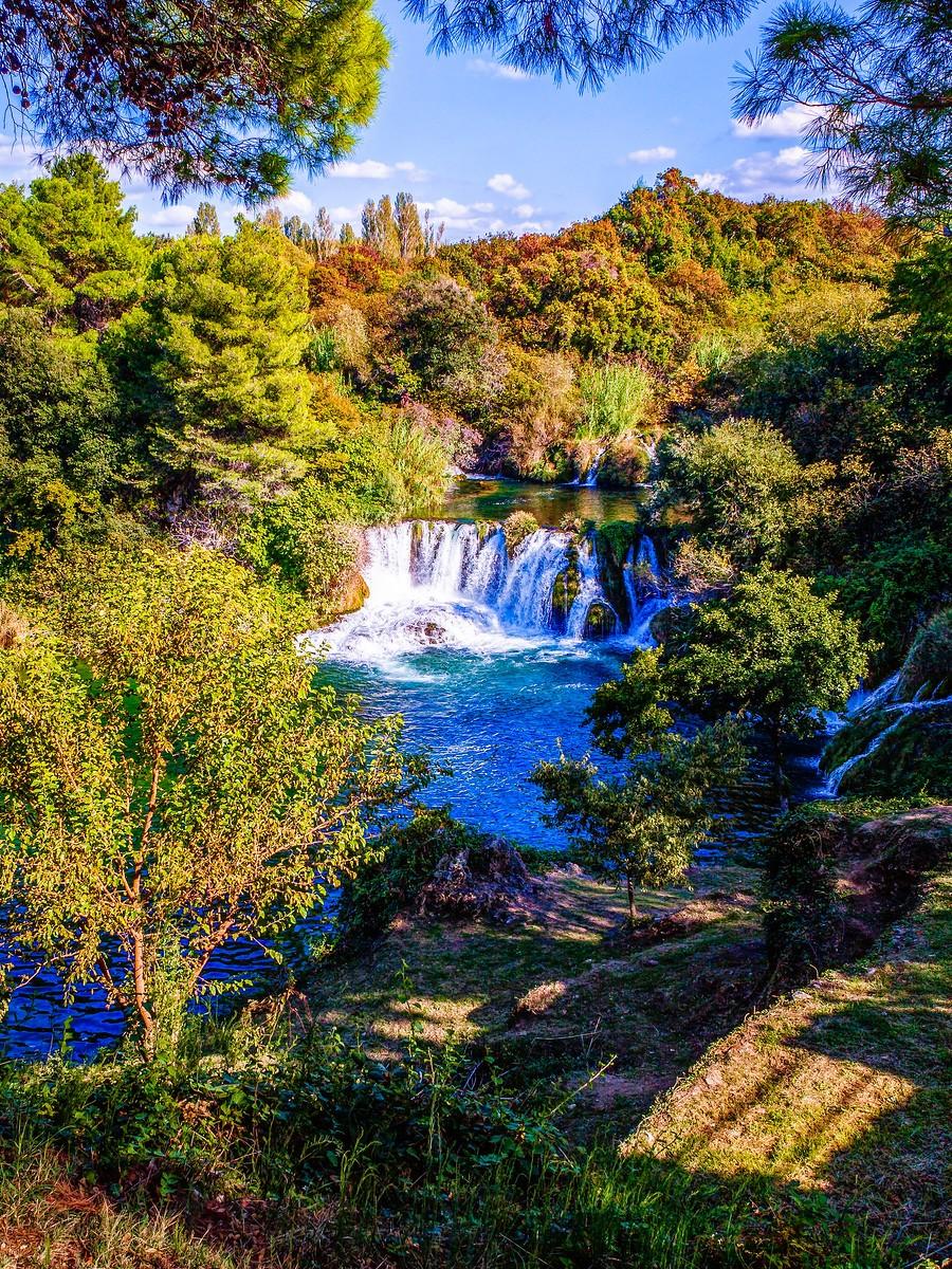 克罗地亚克尔卡国家公园(Krka National Park),走在瀑布傍_图1-35