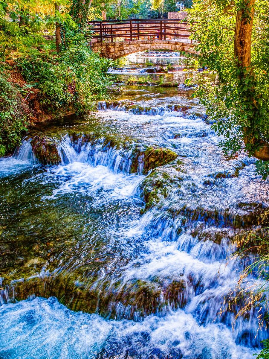 克罗地亚克尔卡国家公园(Krka National Park),走在瀑布傍_图1-36