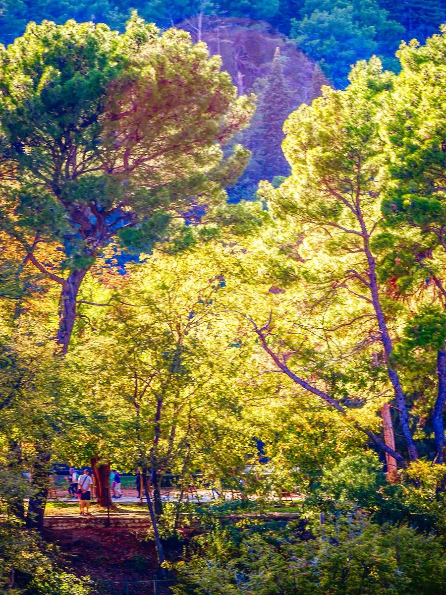 克罗地亚克尔卡国家公园(Krka National Park),走在瀑布傍_图1-23