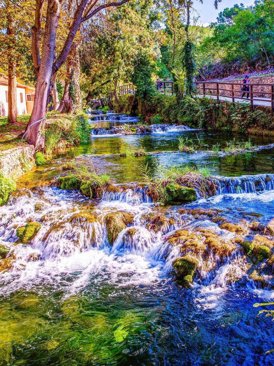克罗地亚克尔卡国家公园(Krka National Park),走在瀑布傍_图1-20