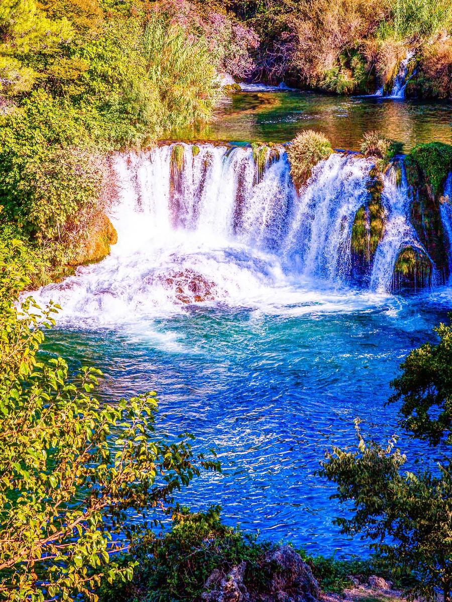 克罗地亚克尔卡国家公园(Krka National Park),走在瀑布傍_图1-8