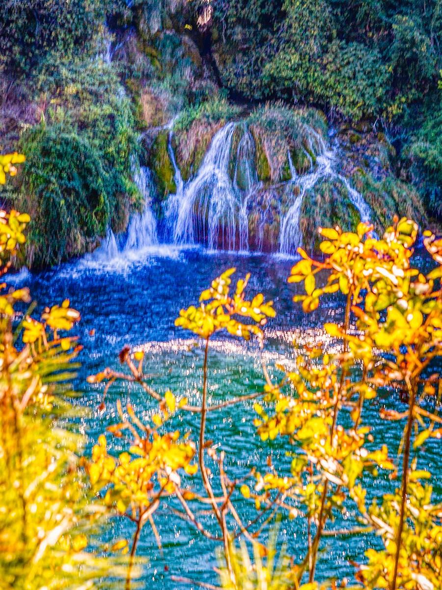 克罗地亚克尔卡国家公园(Krka National Park),走在瀑布傍_图1-6
