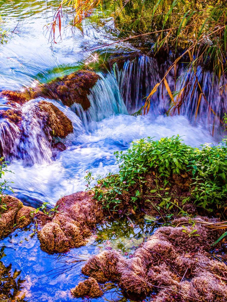 克罗地亚克尔卡国家公园(Krka National Park),走在瀑布傍_图1-7
