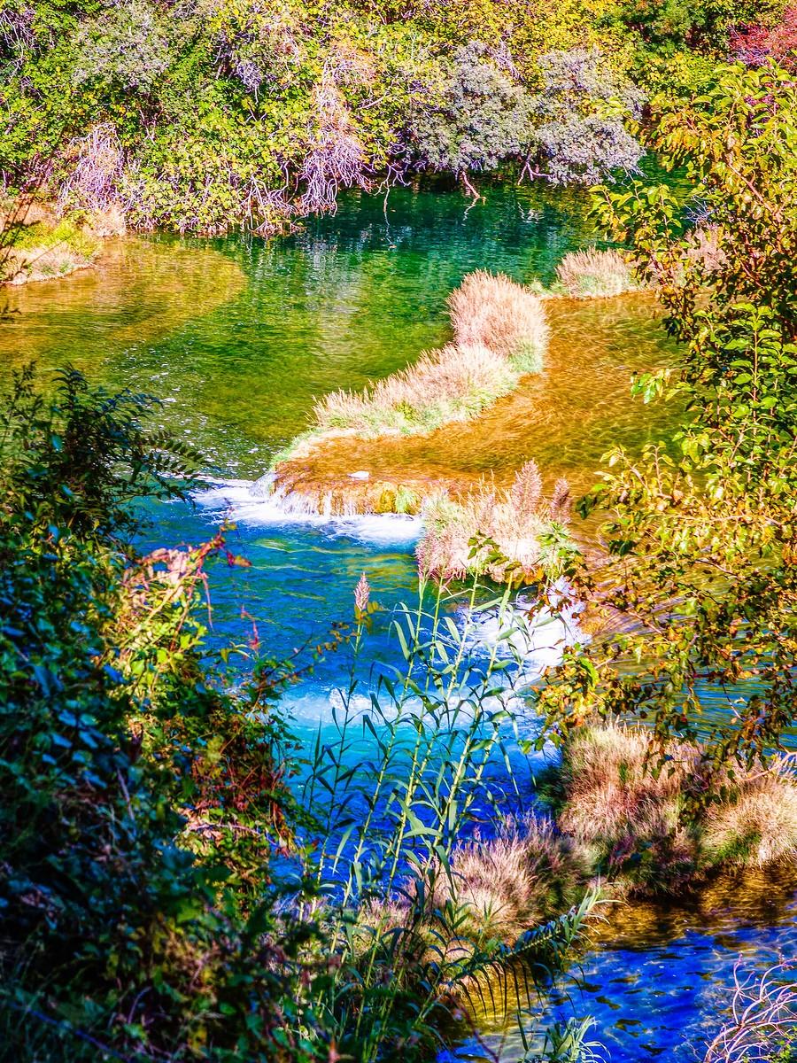克罗地亚克尔卡国家公园(Krka National Park),走在瀑布傍_图1-15