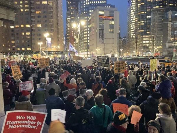 纽约市2月5日的创普弹劾案集会游行_图1-3