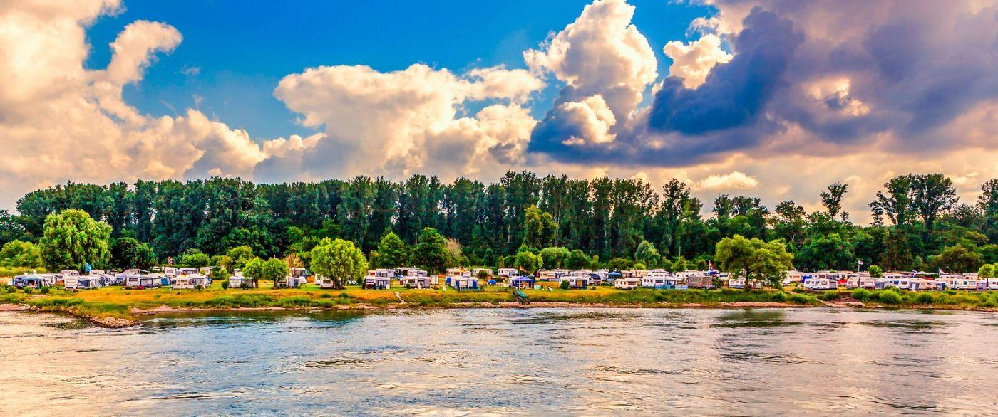 畅游莱茵河,山坡上的耕田_图1-32