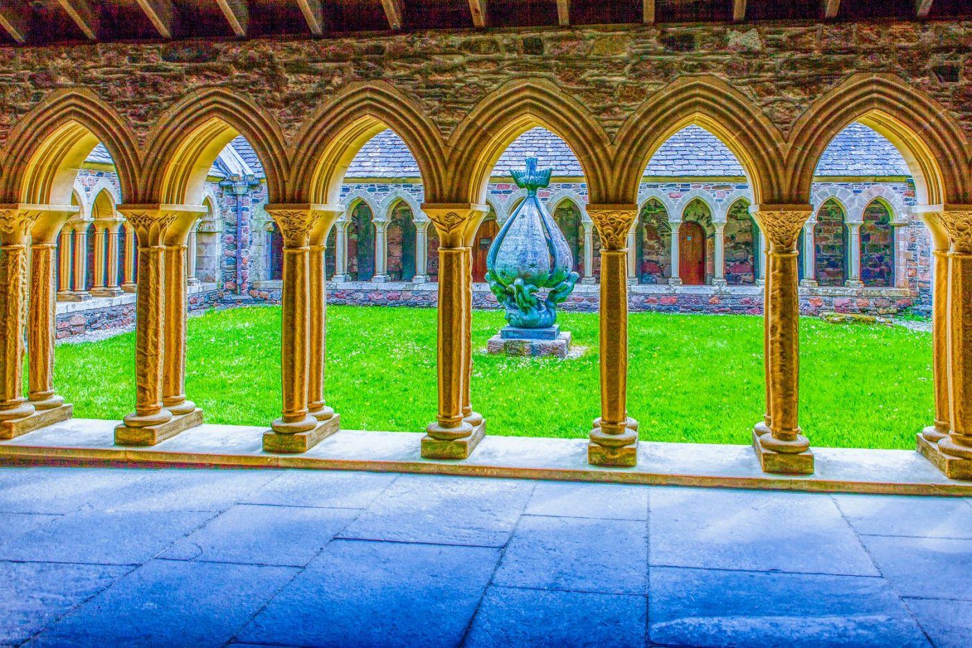 苏格兰圣奥兰教堂(St Oran's Chapel),小教堂大视野_图1-1