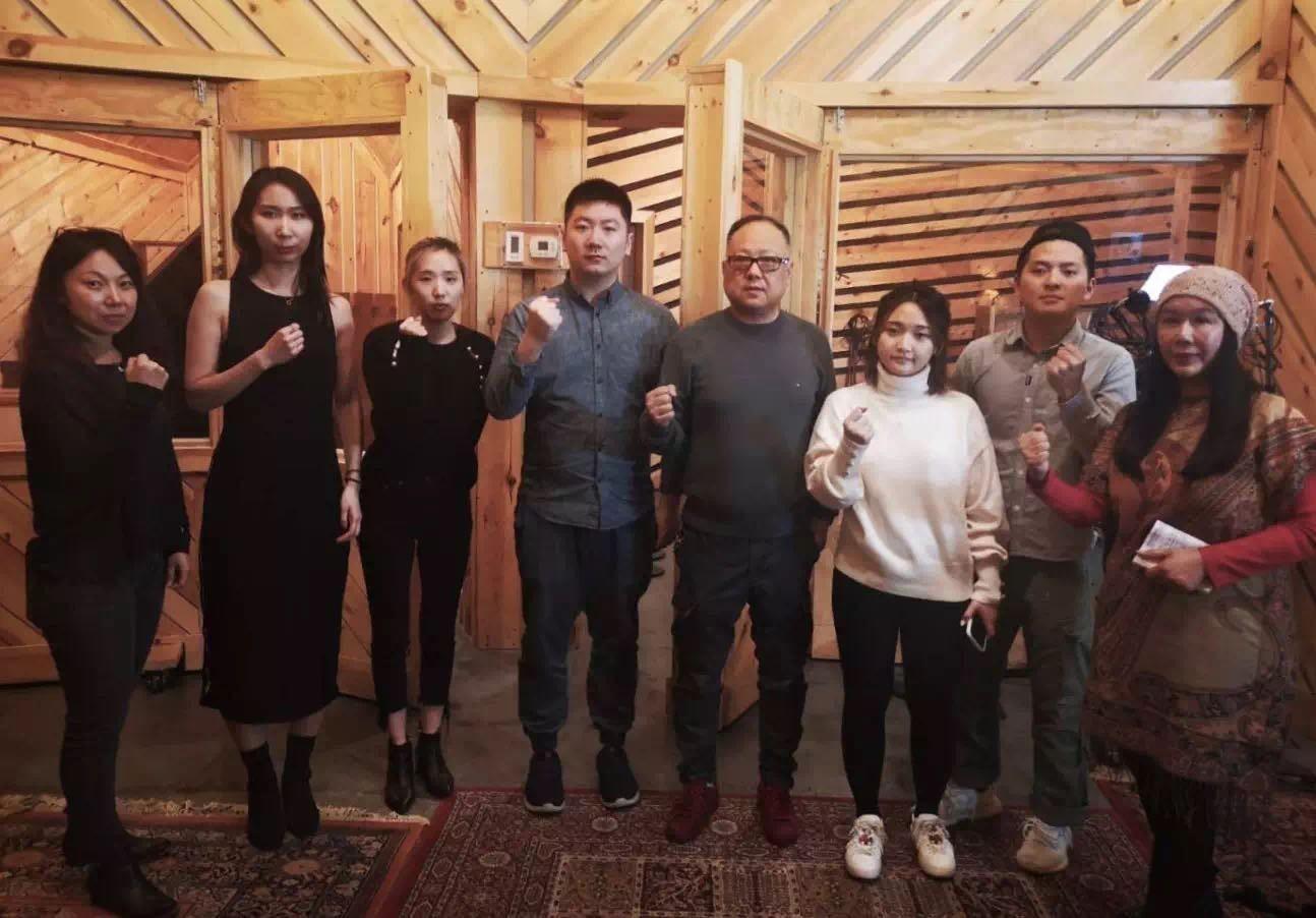 高娓娓:《英雄中国》让亿万人感动到哭泣的抗疫战歌,中美歌手倾情献唱 ... ... ... ... ..._图1-15