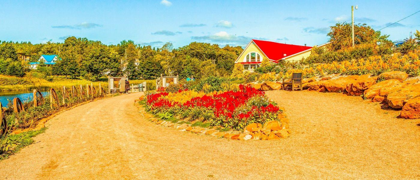 加拿大路途,水边的小红房_图1-34