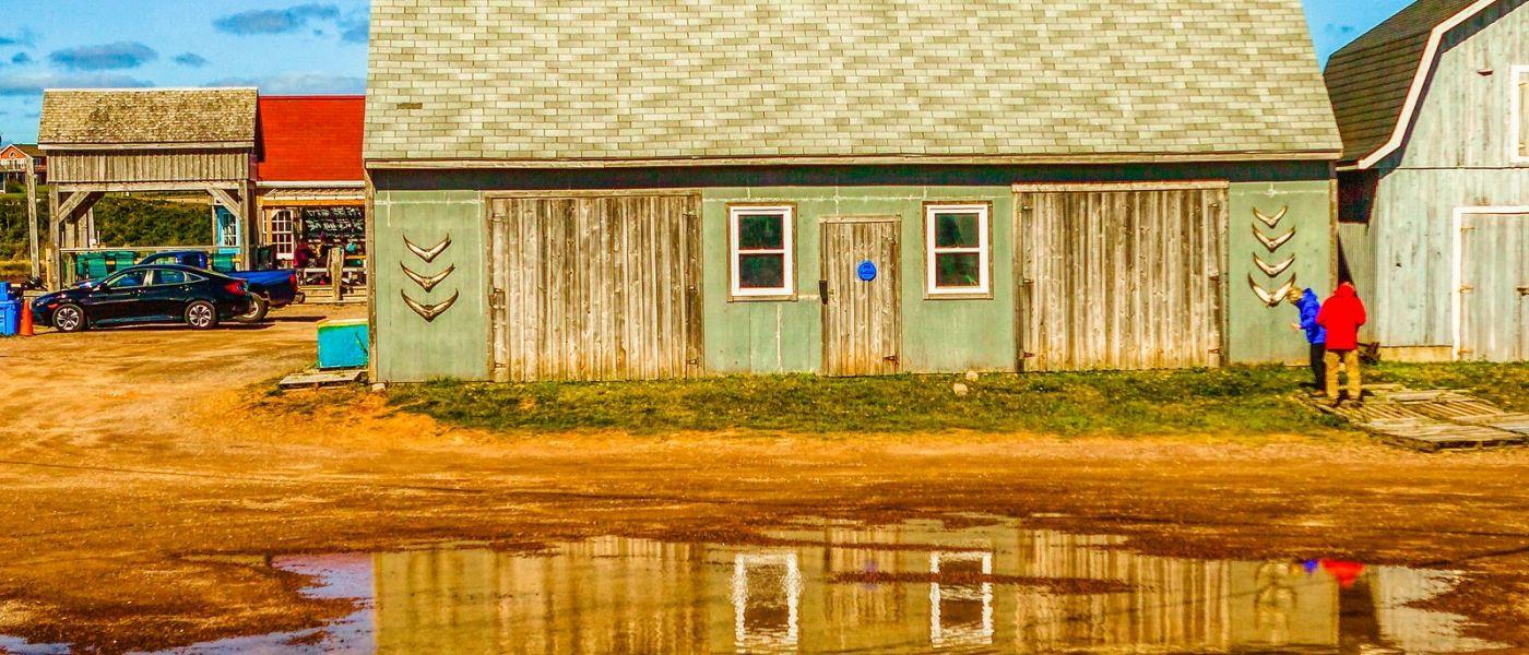 加拿大路途,水边的小红房_图1-25