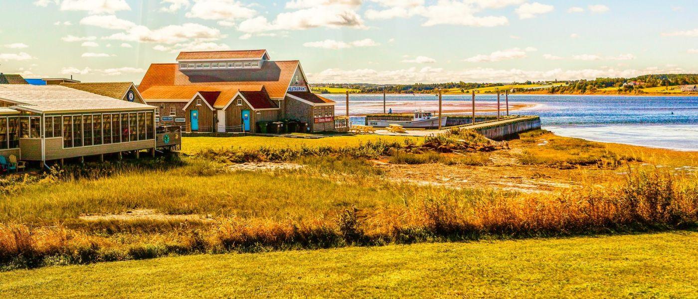加拿大路途,水边的小红房_图1-7