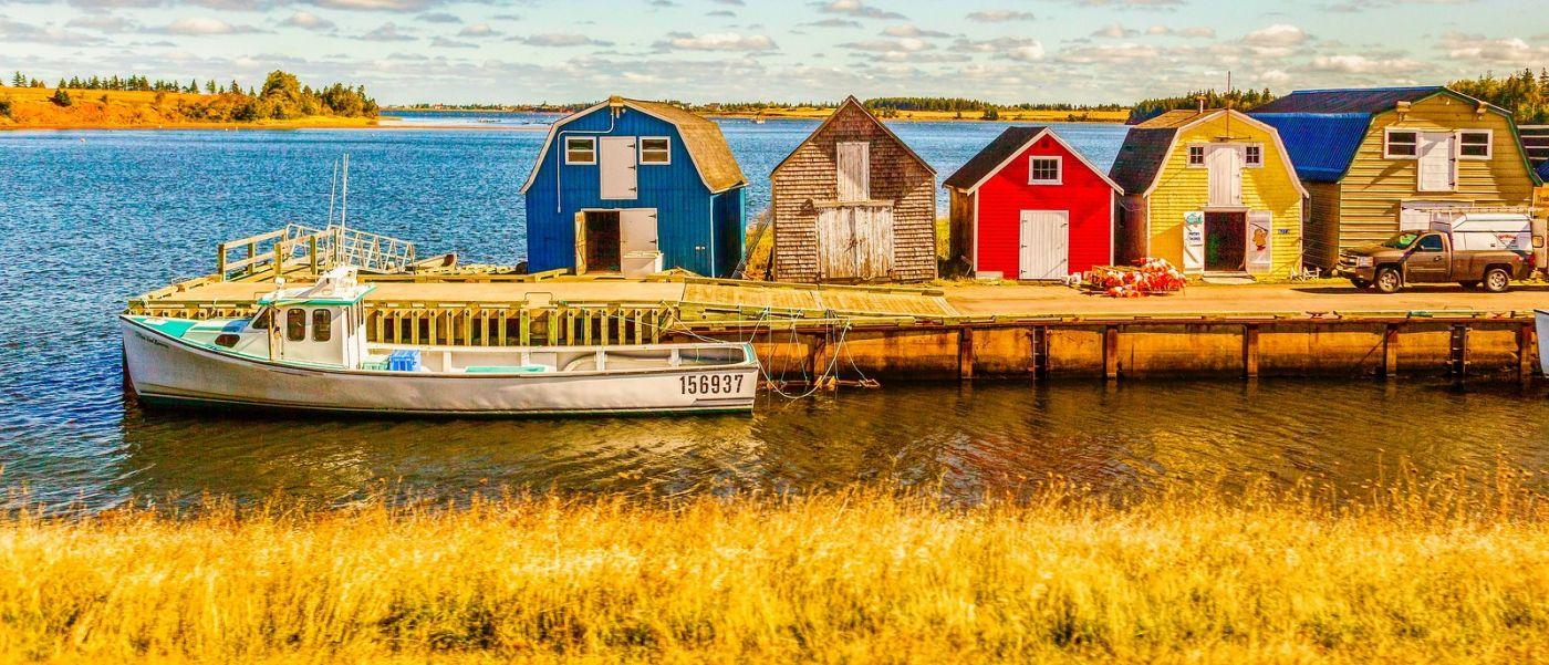 加拿大路途,水边的小红房_图1-1