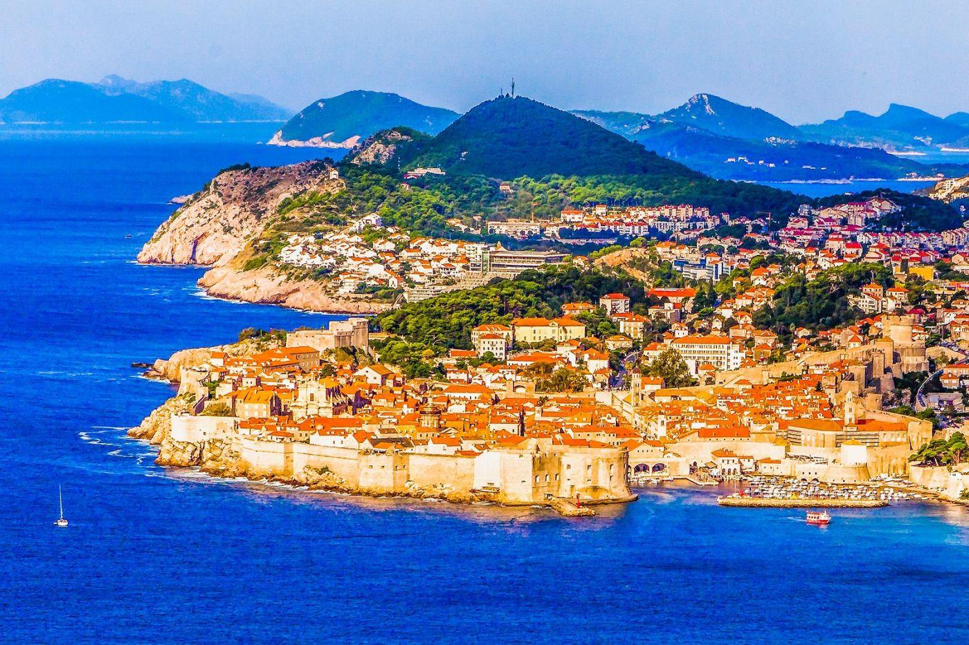 克罗地亚杜布罗夫尼克(Dubrovnik),远眺古城_图1-1