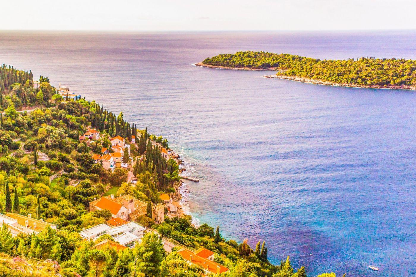 克罗地亚杜布罗夫尼克(Dubrovnik),远眺古城_图1-2