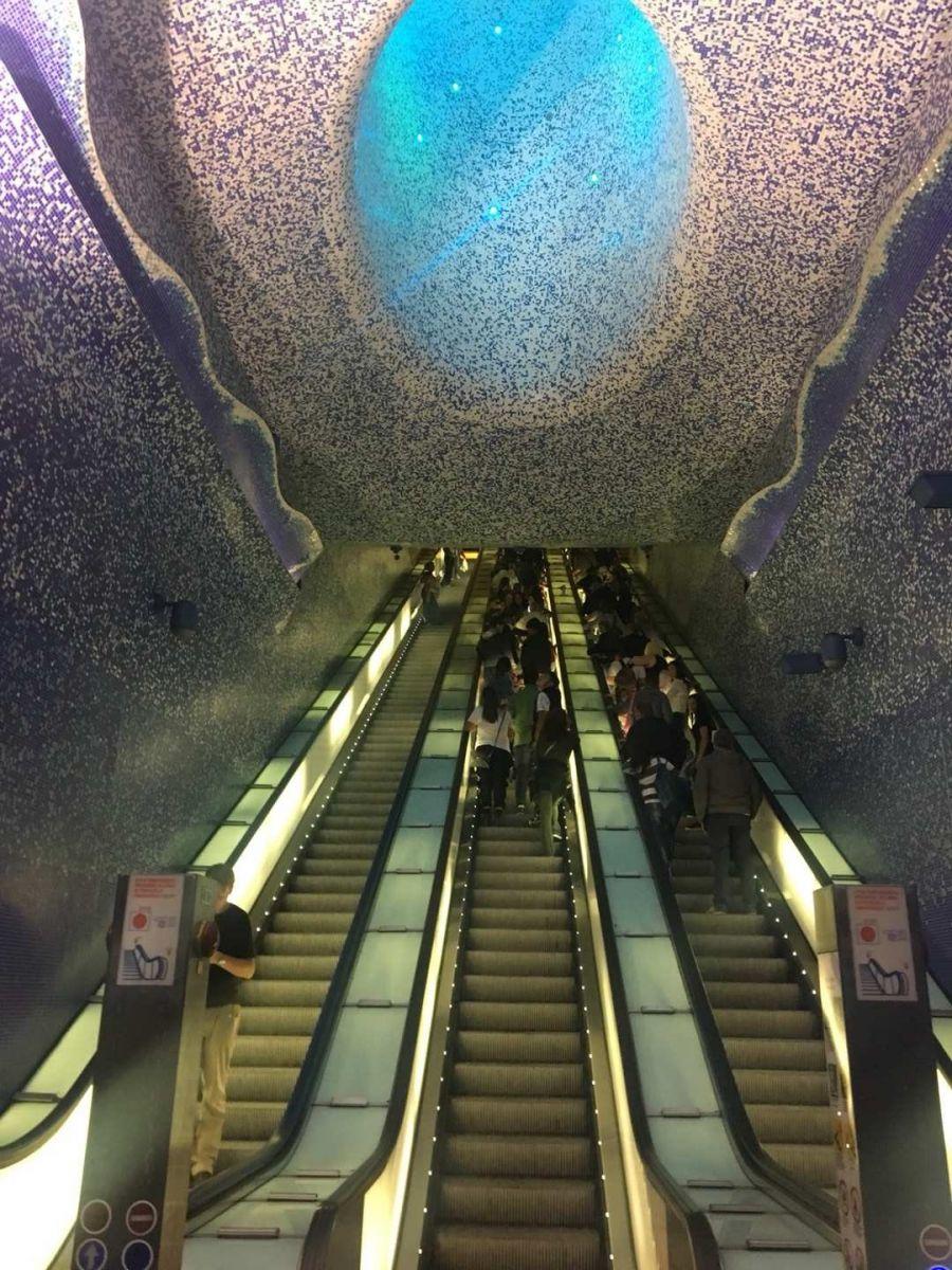 那不勒斯旅游亮点:Toledo地铁站_图1-26