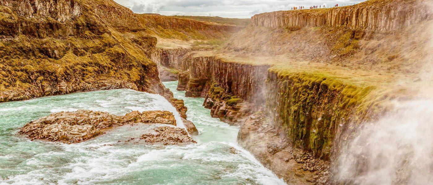 冰岛古佛斯瀑布(Gullfoss),景色壮观_图1-2