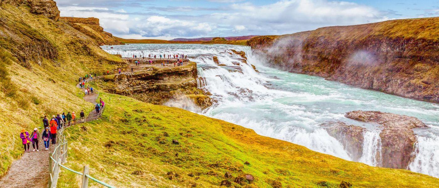 冰岛古佛斯瀑布(Gullfoss),景色壮观_图1-1