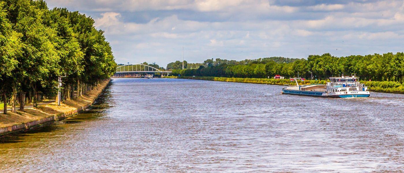 畅游莱茵河,站船头看两岸_图1-21